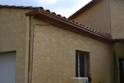 instalacion de canalones de aluminio en fachada