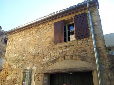 Instalación de canalones de znc en vivienda rústica