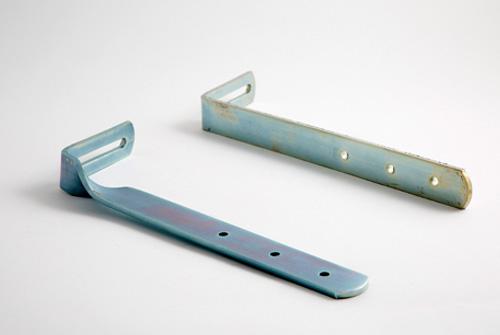 Fijación plana para canales pluviales de aluminio