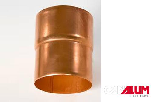 Manguito de conexión para canalones de cobre