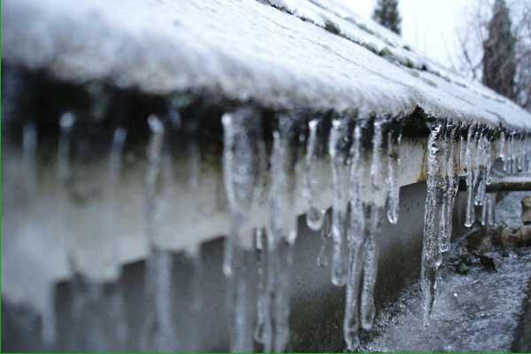 quitar hielo de los canalones