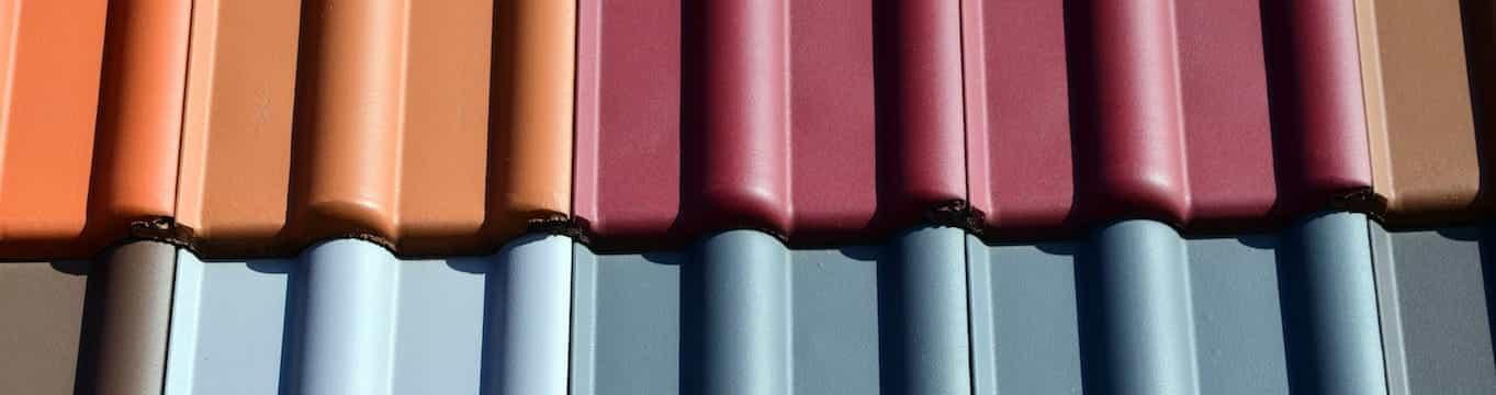 Canalones pintados de diferentes colores