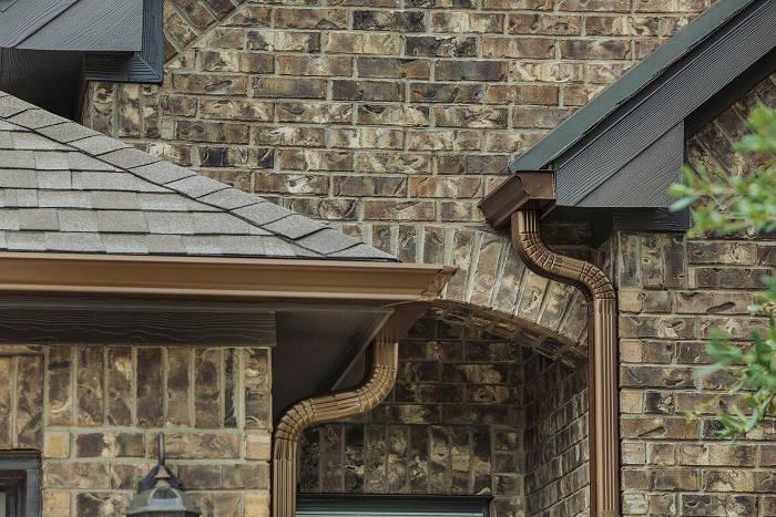 Los canalones en la vivienda evita problemas con los vecinos