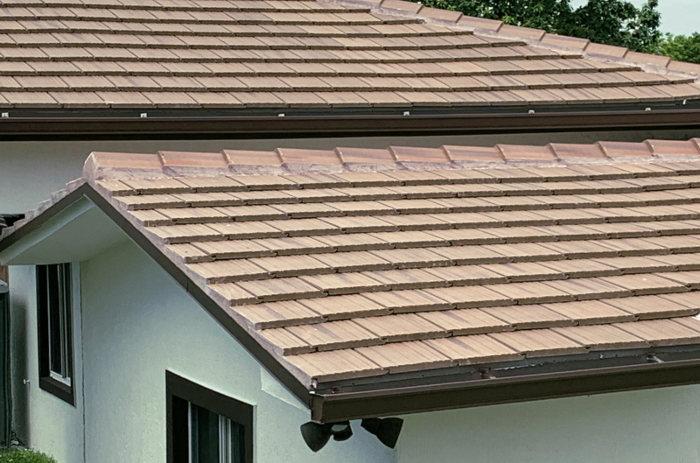 Canaletas pluviales con enganche a la teja
