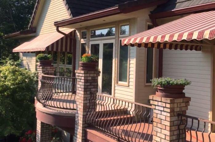 Conductos pluviales de una terraza cubiertos